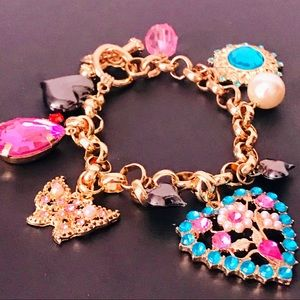NEW! SWEET CHARM TOGGLE BRACELET IN GOLD